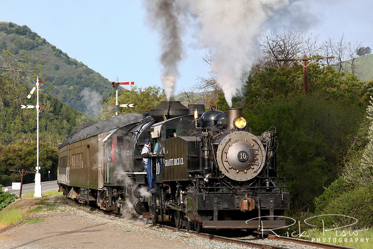 California State Railroad Museums's Granite Rock Company Porter 0-6-0ST #10 leads a doubleheader into Sunol during the 2010 Niles Canyon Railway Steamfest II.
