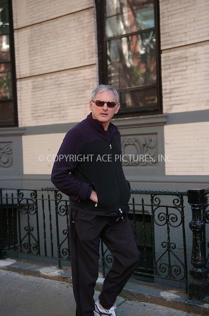 WWW.ACEPIXS.COM . . . . . ....July 2006, New York City. ....NY Candids: Victor Garber ....Please byline: ALI GOLDSTEIN - ACEPIXS.COM.. . . . . . ..Ace Pictures, Inc:  ..(212) 243-8787 or (646) 769 0430..e-mail: info@acepixs.com..web: http://www.acepixs.com