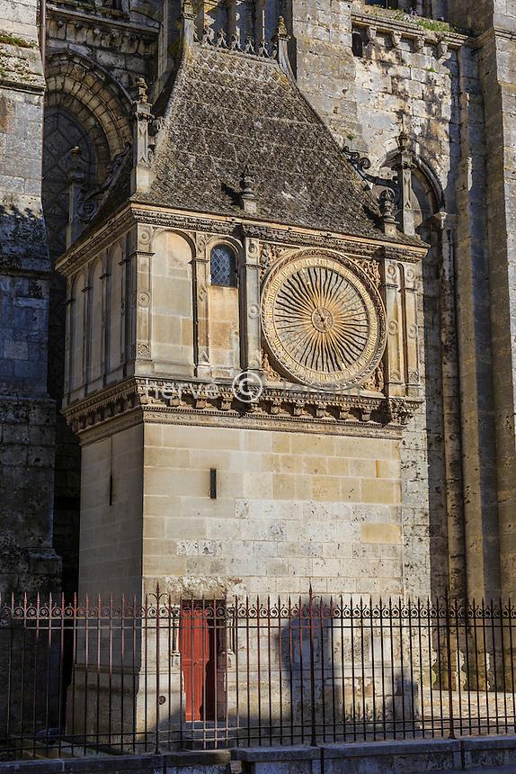 France, Eure-et-Loir (28), Chartres, la cathédrale Notre-Dame de Chartres, classé au Patrimoine  mondial de l'UNESCO, l'horloge astronomique // France, Eure et Loir, Chartres, Notre Dame de Chartres Cathedral, listed as a World Heritage by UNESCO, Astronomical Clock