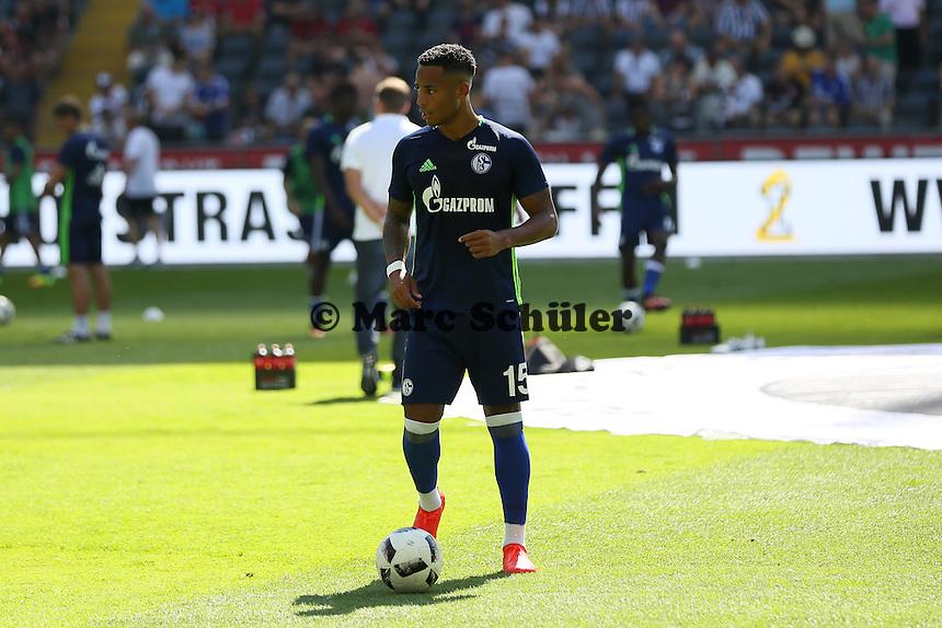 Dennis Aogo (FC Schalke 04) - 27.08.2016: Eintracht Frankfurt vs. FC Schalke 04, Commerzbank Arena