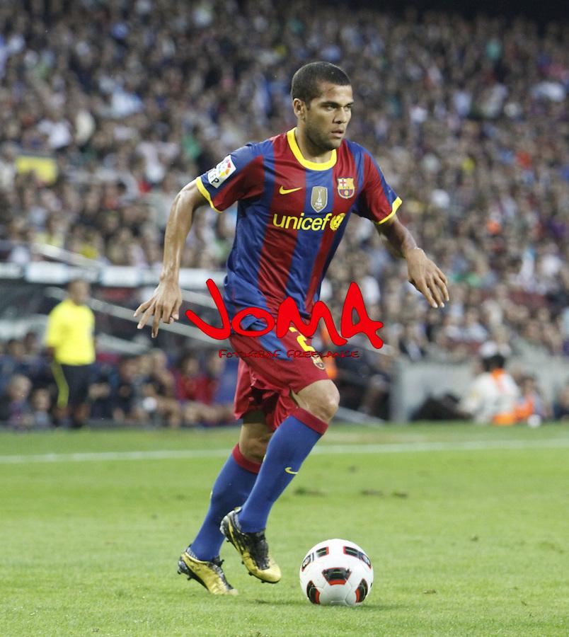 3.10.10 Barcelona, Spain, La Liga , day 6 , FC Barcelona draw with Mallorca at Nou Camp 1 - 1. Dani alves run for sideline