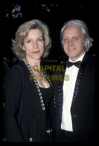 JULIET STEVENSON.26 May 2002.Ref: 11720.half length, half-length.*RAW SCAN- photo will be adjusted for publication*.www.capitalpictures.com.sales@capitalpictures.com.©Capital Pictures