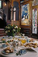 Europe/France/Aquitaine/33/Gironde: l'heure du thé et des Merveilles (gateau) dans le Hall de la Villa Teresa dans la ville d'hiver