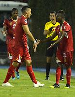 RIONEGRO- COLOMBIA, 21-05-2019: Jáder Obrian de Rionegro Águilas Doradas (COL) celebra el tercer gol anotado a Club Atlético Independiente (ARG), durante partido de ida de la segunda fase entre Rionegro Águilas Doradas (COL) y Club Atlético Independiente (ARG) por la Copa Conmebol Sudamericana 2019, jugado en el estadio Alberto Giraldo de la ciudad de Rionegro. / Jader Obrian of Club Atletico Independiente (ARG), celebrates the third goal scored to Club Atletico Independiente (ARG), during a match of the first round of the second stage between Rionegro Aguilas Doradas (COL) and Club Atletico Independiente (ARG) for the Conmebol Sudamericana Cup 2019, played at Alberto Giraldo stadium in Rionegro city. Photo: VizzorImage / Fernando Agudelo / Cont.