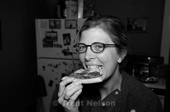 Laura Nelson eating pizza<br />