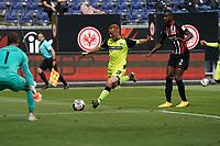 Sebastian Vasiliadis (SC Paderborn 07) setzt sich gegen Evan N'Dicka (Eintracht Frankfurt) durch und zieht ab<br /> - 27.06.2020: Fussball Bundesliga, Saison 19/20, Spieltag 34, Eintracht Frankfurt vs. SC Paderborn 07, emonline, emspor, Namen v.l.n.r. <br /> <br /> Foto: Marc Schueler/Sportpics.de/Pool <br /> Nur für journalistische Zwecke. Only for editorial use. (DFL/DFB REGULATIONS PROHIBIT ANY USE OF PHOTOGRAPHS as IMAGE SEQUENCES and/or QUASI-VIDEO)