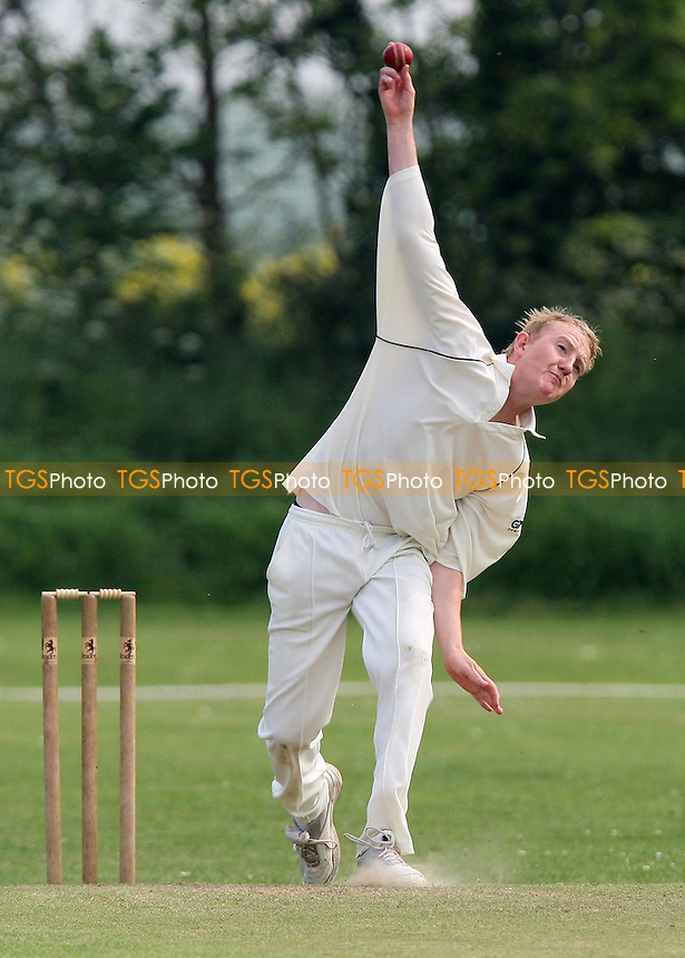 D Woodford in bowling action for Stanford - Stanford-le-Hope CC vs Old Brentwoods CC - Shepherd Neame Essex Cricket League - 10/05/08 - MANDATORY CREDIT: Gavin Ellis/TGSPHOTO. Self-Billing applies where appropriate. NO UNPAID USE. Tel: 0845 094 6026