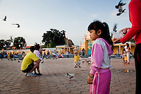 Jan. 24, 2010 - Phnom Penh, Cambodia. Families in front of the Royal Palace. © Nicolas Axelrod / Ruom.