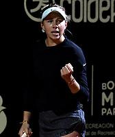 BOGOTÁ-COLOMBIA, 12-04-2019: Amanda Anisimova de Estados Unidos, celebra el punto ganado a Maria Camila Osorio de Colomba, durante partido por el Claro Colsanitas WTA, que se realiza en el Carmel Club en la ciudad de Bogotá. / Amanda Anisimova of United States, celebrates the point won to Maria Camila Osorio of Colombia, during a match for the WTA Claro Colsanitas, which takes place at Carmel Club in Bogota city. / Photo: VizzorImage / Luis Ramírez / Staff.