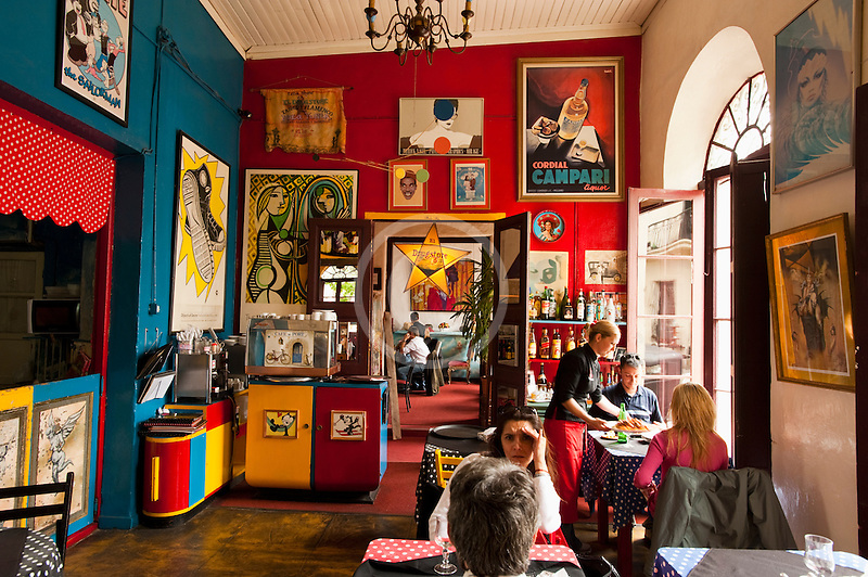 Uruguay, Colonia del Sacramento, Restaurant interior