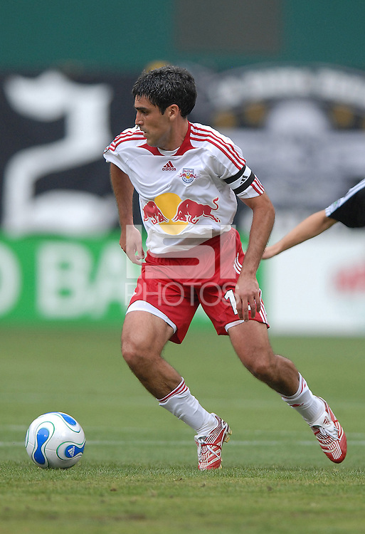 New York Red Bull midfielder Claudio Reyna (10) controls the ball. DC United defeated the New York Red Bulls, 4-2, at RFK Stadium in Washington DC, Sunday, June 10, 2007.