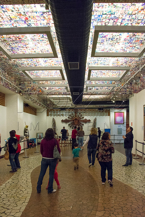 Entrada da sala das Promessas, Aparecida - SP, 10/2016.