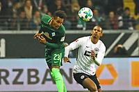 Theodor Gebre Selassie (SV Werder Bremen) gegen Sebastien Haller (Eintracht Frankfurt) - 03.11.2017: Eintracht Frankfurt vs. SV Werder Bremen, Commerzbank Arena