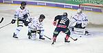 06.10.2019, Mercedes Benz Arena, Berlin, GER, 1.DEL, EISBAEREN BERLIN  VS.  Straubingen Tigers, im Bild <br /> Sean Backman (Eisbaeren Berlin #61),<br /> Sebastian Vogel (Straubingen Tigers #25), Mike Connolly (Straubingen Tigers #22), Max Renner (Straubingen Tigers #42)<br /> <br />      <br /> Foto © nordphoto / Engler