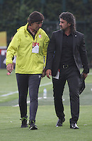 BOGOTA -COLOMBIA, 21-08-2016. Leonel Alvarez director técnico del Medellín y Gustavo Costas director técnico del Santa Fe durante el encuentro contra Santa Fe  por la fecha 9 de la Liga Aguila II 2016 disputado en el estadio Metropolitano de Techo./ Leonel Alvarez Coach of Medellin and Gustavo Costas coac of Santa Fe in action against  of Santa Fe    during match for the date 9 of the Aguila League II 2016 played at Metroplitano de Techo  stadium . Photo:VizzorImage / Felipe Caicedo  / Staff