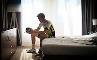 Sep Vanmarcke (BEL/LottoNL-Jumbo) prepares for a relaxed training ride in his hotel room