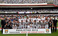 SÃO PAULO, SP,13 MAIO 2012 - CAMPEONATO PAULISTA - SANTOS x GUARANI FINAL  Time  do Santos  antes da  partida Santos x Guarani válido pela final do Campeonato Paulista no Estádio Cicero Pompeu de Toledo (Morumbi), na região sul da capital paulista na tarde deste domingo (13). (FOTO: ALE VIANNA -BRAZIL PHOTO PRESS).