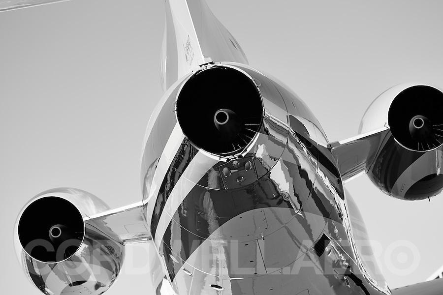 2013 Dassault Falcon 900  Business Jet APU NBAA 2013