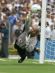 "Mexico (06/06/2004): Cruz Azul goalie Oscar ""Conejo"" Perez is beaten by Pumas striker Ismael Iniguez scoring a penalty during the second leg of semifinals of the national soccer league.  UNAM Pumas won 3-2 and goes to finals against Guadalajara Chivas next week. ..© Heriberto Rodriguez..NO ARCHIVO-NO ARCHIVE-ARCHIVIERUNG VERBOTEN!"