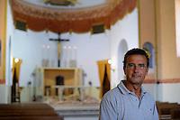 Carlo Barellini, custode della chiesa..Isola di Pianosa. La chiesa di San Gaudenzio.Pianosa Island. The church of San Gaudenzio..