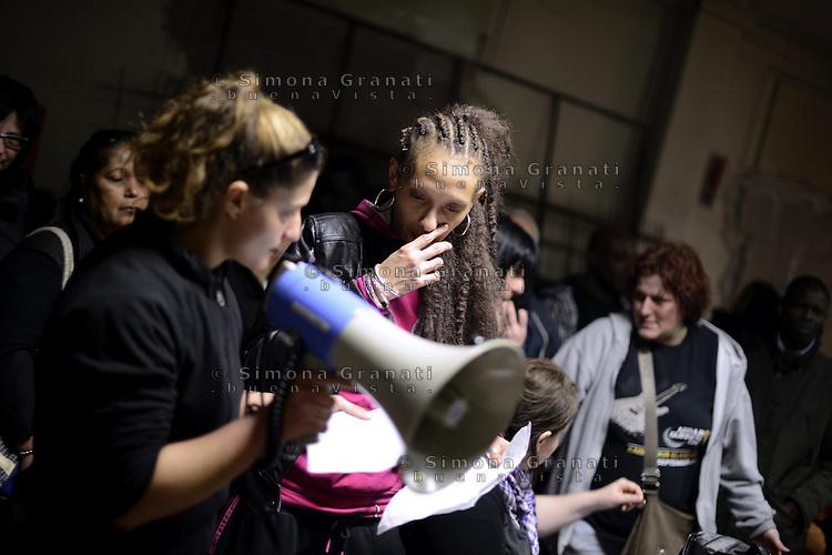 Roma, 6 Aprile 2013.I movimenti per il diritto all'abitare occupano contemporaneamente undici stabili abbandonati o inutilizzati..Nella foto il palazzo di Via Acqua Donzella, a Colli albani