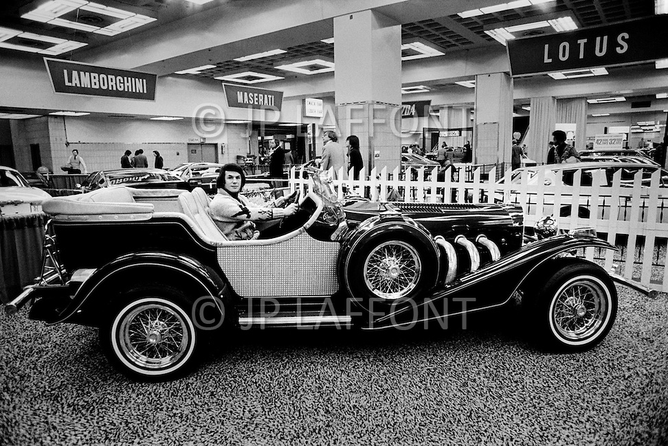 Manhattan, NYC. February 1976. Salvatore Adamo, one of the best selling  Belgian musician of all times, attending the New York International Auto Show.