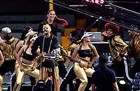 BOGOTÁ - COLOMBIA, 20-01-2019: Mike Bahia y Greeicy, cantantes colombianos son los encargados del espectáculo de la ceremonia de clausura del Torneo Fox Sports 2019, jugado en el estadio Nemesio Camacho El Campin de la ciudad de Bogotá. /  Mike Bahia y Greeicy, Colombian singers are in charge of the close ceremony show of the Fox Sports 2019 Tournament, played at the Nemesio Camacho El Campin stadium in the city of Bogotá. / Photo: VizzorImage / Luis Ramírez / Staff.