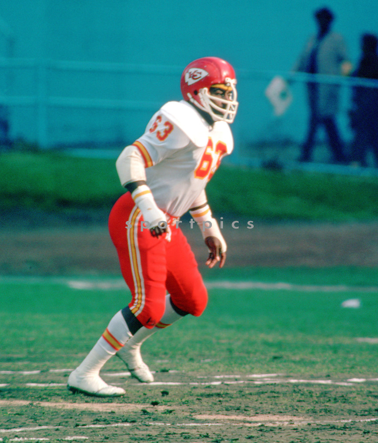 Kansas City Willie Lanier (62) during a game from his career season with the Kansas City Chiefs.  Willie Lanier played for 11 years, all with the Kansas City Chiefs, was a 8-time Pro Bowler and was inducted into the Pro Football Hall of Fame in 1986.(SportPics)