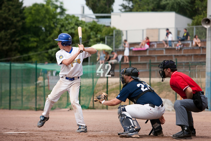 23 May 2009: Steven Vesque of Senart is seen at bat during the 2009 challenge de France, a tournament with the best French baseball teams - all eight elite league clubs - to determine a spot in the European Cup next year, at Montpellier, France. Savigny wins 4-1 over Senart.