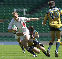 25/05/2002 (Saturday).Sport -Rugby Union - London Sevens.England vs Australia.Josh Lewsey[Mandatory Credit, Peter Spurier/ Intersport Images].