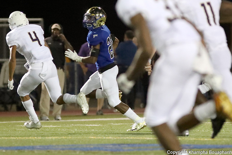 Boswell beats Chisholm Trail 73-7 in 3-5A high school football on Thursday, September 20, 2018. (Photo by Khampha Bouaphanh)