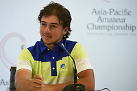David MICHELUZZI (AUS) is interviewed after his eagle approach shot on 18 vaulted him into the lead by 1 during Rd 1 of the Asia-Pacific Amateur Championship, Sentosa Golf Club, Singapore. 10/4/2018.<br /> Picture: Golffile | Ken Murray<br /> <br /> <br /> All photo usage must carry mandatory copyright credit (&copy; Golffile | Ken Murray)