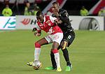 Santa Fe remontó al Atlético Nacional y lo venció 3-2 este domingo por la noche en el estadio El Campín, en juego de la fecha uno de las semifinales en Colombia.