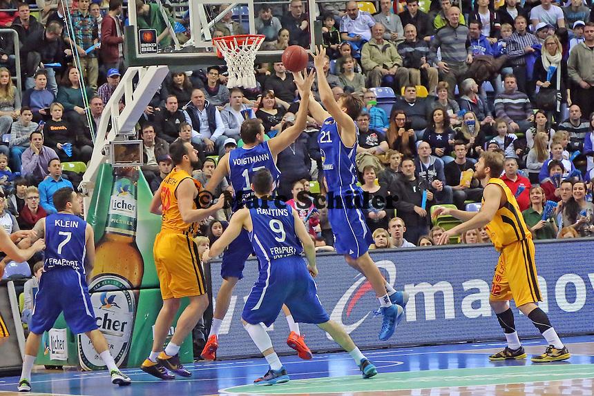 Rebound Danilo Barthel (Skyliners) - Fraport Skyliners vs. Rasta Vechta, Fraport Arena Frankfurt