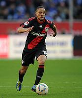 FUSSBALL   1. BUNDESLIGA   SAISON 2011/2012    10. SPIELTAG Bayer 04 Leverkusen - FC Schalke 04                        23.10.2011 Sidney SAM (Bayer 04 Leverkusen) Einzelaktion am Ball