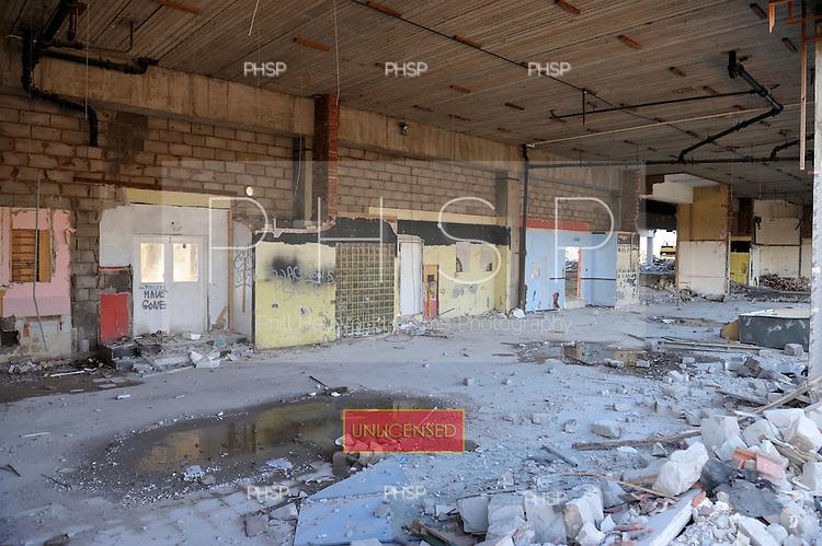 06/02/2009.Ground level former cafe/Go Kart entrance