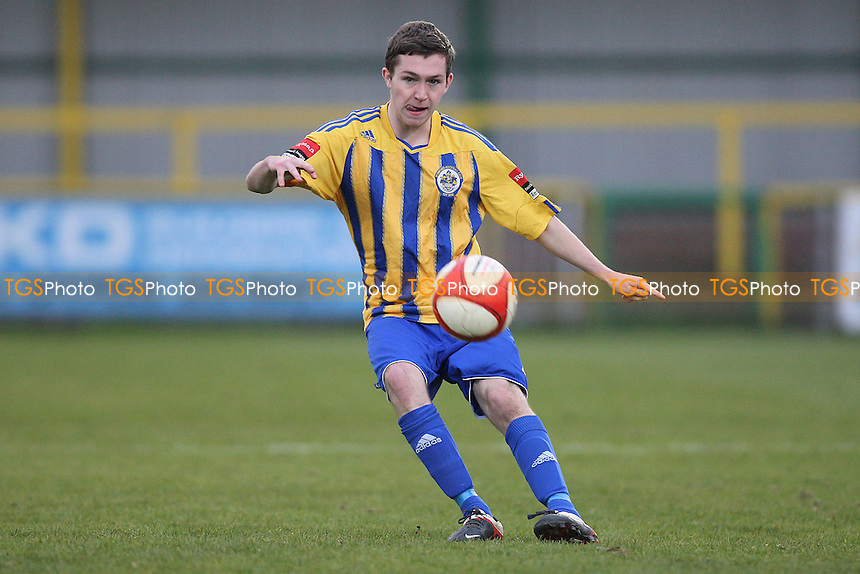Joe Oates in action for Romford - Romford vs Potters Bar Town - Ryman League Division One North Football at Ship Lane, Thurrock FC - 03/11/12 - MANDATORY CREDIT: Gavin Ellis/TGSPHOTO - Self billing applies where appropriate - 0845 094 6026 - contact@tgsphoto.co.uk - NO UNPAID USE.