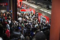 SÃO PAULO, SP - 20.05.2015 - CPTM-SP - Vista da estação Pinheiros que pertence a linha 9 Esmeralda da CPTM operam com lentidão, devido a uma falha elétrica em uma de suas composições nesta quarta-feira, 20. (Foto: Douglas Pingituro / Brazil Photo Pres)