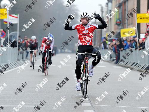 2011-02-26 / wielrennen / seizoen 2011 / Nieuwelingen Sint-Jozef Rijkevorsel / Nico Honigh won voor zijn medevluchters..Foto: mpics