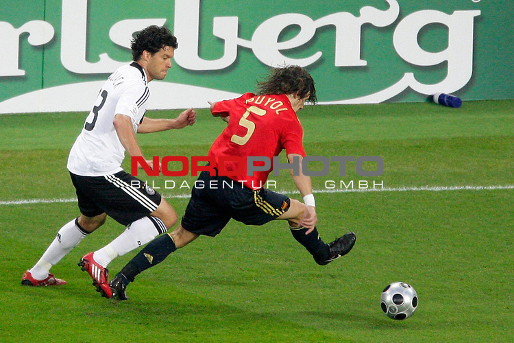 UEFA Euro 2008  Finale<br /> <br /> Vienna - Ernst Happel Match 32<br /> Deutschland ( GER ) - Spanien ( ESP )<br /> <br /> Puyol  ( Spain / Verteidiger / Defender  /  FC Barcelona #05 ) Michael Ballack (Germany / Mittelfeldspieler / Midfielder /  Chelsea London #13)<br /> <br /> Foto &copy; nph (  nordphoto  )<br /> <br /> <br /> <br />  *** Local Caption ***