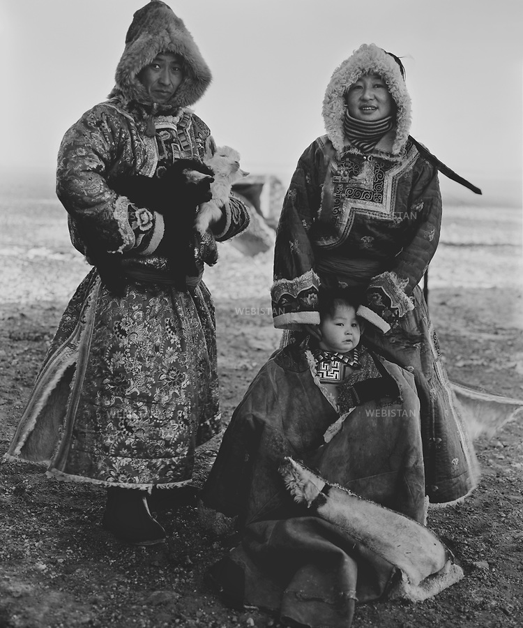 Inner Mongolia. 2008: A Mongolian family<br /> <br /> Mongolie interieure. 2008: famille mongole.