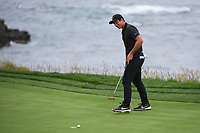 Viktor Hovland (NOR)(a) reacts to barely missing his putt on 8 during round 1 of the 2019 US Open, Pebble Beach Golf Links, Monterrey, California, USA. 6/13/2019.<br /> Picture: Golffile | Ken Murray<br /> <br /> All photo usage must carry mandatory copyright credit (© Golffile | Ken Murray)