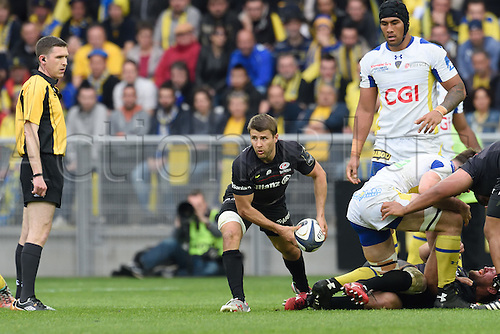 18.04.2015. Clermont-Ferrand, Auvergne, France. Champions Cup rugby semi-final between ASM Clermont and Saracens.   Richard Wigglesworth (saracens) lays the ball along his line