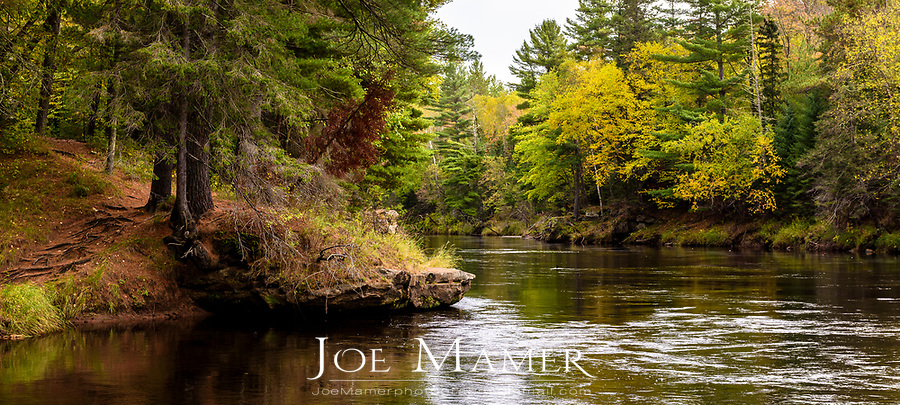 Early autumn foliage along the Kettle River in Banning State Park.