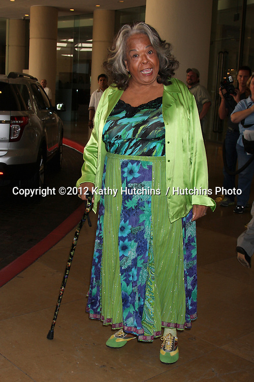 LOS ANGELES - AUG 2:  Della Reese arrives at the Cable TCA Press Tour at Beverly Hilton Hotel on August 2, 2012 in Beverly Hills, CA