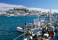 Spanien, Balearen, Ibiza (Eivissa): mit Altstadtbezirk Dalt Vila, Kathedrale und Hafen | Spain, Balearic Islands, Ibiza (Eivissa): with Old Town Dalt Vila, cathedral and harbour