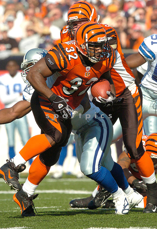 Rudi Johnson during the Cincinnati Bengals v. Dallas Cowboys game on November 7, 2004...Bengals win 26-3..David Durochik / SportPics