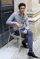 Lo scrittore statunitense Joshua Ferris ritratto in occasione del Festival Internazionale delle Letterature a Roma, 4 giugno 2014.<br /> U.S. writer Joshua Ferris portrayed on the occasion of the International Literature Festival, in Rome, 4 June 2014.<br /> UPDATE IMAGES PRESS/Riccardo De Luca
