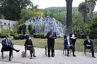Professore Eugenio Gaudio, Rettore Università degli Studi di Roma La Sapienza<br /> <br /> The Living Chapel è una Cappella Vivente come luogo di profonda armonia tra natura, musica, arte, architettura e umanità. <br /> The Living Chapel  è un giardino verticale nel quale sono inseriti in maniera temporanea 3.000 giovani alberi che al termine dell'estate saranno donati per il recupero di aree verdi e per la creazione di nuovi giardini. <br /> Ispirato al programma delle Nazioni Unite, l'Agenda 2030 per lo Sviluppo Sostenibile, e all'Enciclica 'Laudato Si', progettato da un team internazionale di architetti, musicisti e artisti. <br /> L'Orto botanico di Roma è uno dei partner di questa iniziativa, contribuendo ad ospitare ed allestire la Cappella Vivente.<br /> <br /> THE LIVING CHAPEL<br /> The Living Chapel is a place of profound harmony between nature, music, art, architecture and humanity.<br /> The Living Chapel is a vertical garden in which 3,000 young trees are placed temporarily, which at the end of the summer will be donated for the recovery of green areas and for the creation of new gardens.<br /> Inspired by the United Nations program, the 2030 Agenda for Sustainable Development, and the Encyclical 'Laudato Si', designed by an international team of architects, musicians and artists.<br /> The Botanical Garden of Rome is one of the partners of this initiative, helping to host and set up the Living Chapel.