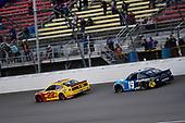 #22: Joey Logano, Team Penske, Ford Mustang Shell Pennzoil and #19: Martin Truex Jr., Joe Gibbs Racing, Toyota Camry Auto Owners Insurance